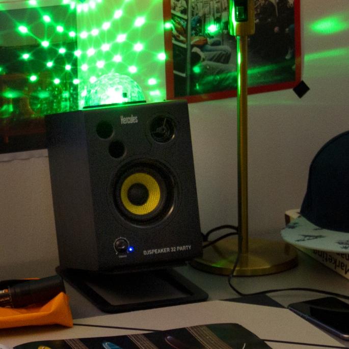DJSpeaker32Part_1000x1000_7.jpg