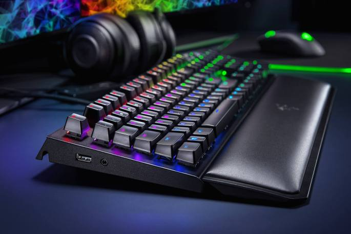 razer-blackwidow-elite-gallery-04.jpg